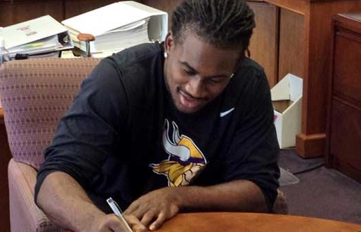 Patterson inks Rookie Contract