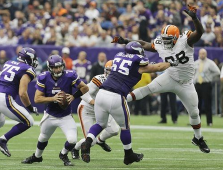 Ponder Pressured - Browns 2013