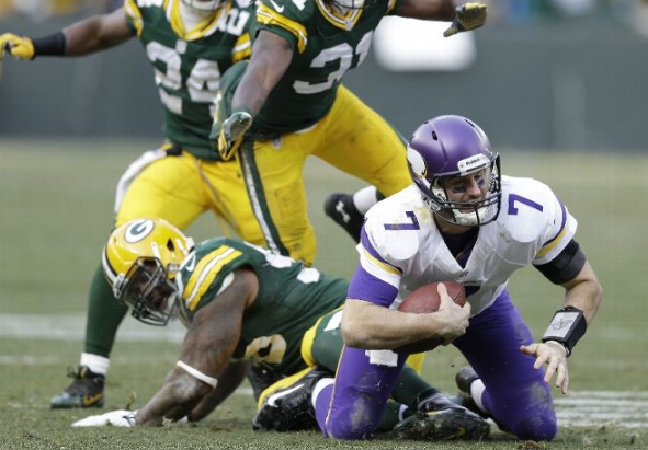 Ponder Sacked - Vikings - Packers - 2013 - Tie