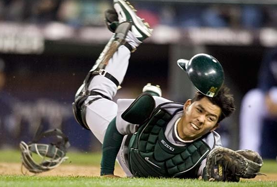 Kurt Suzuki - Twins - Acquire - Oakland - Washington
