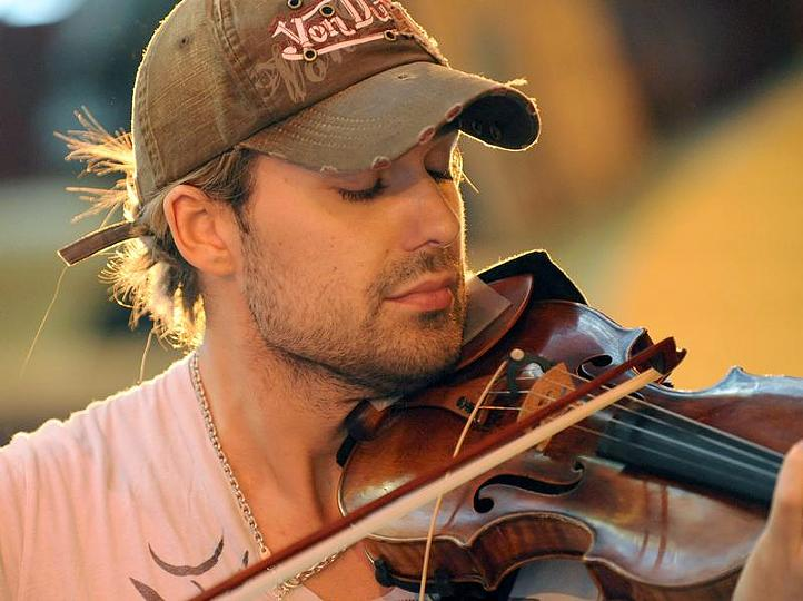 David-Garrett-breaking tradition