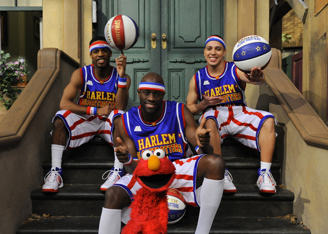 The_Harlem_Globetrotters_Elmo