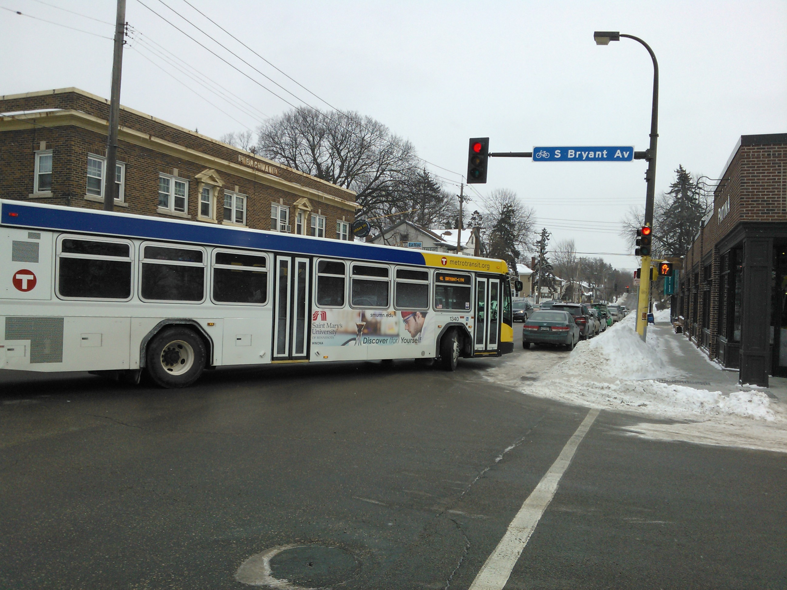 Metro Transit Bus on Bryant Ave S and 50th St