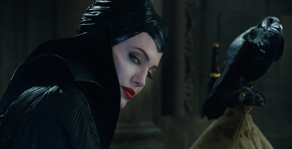 maleficent-jolie-movie review