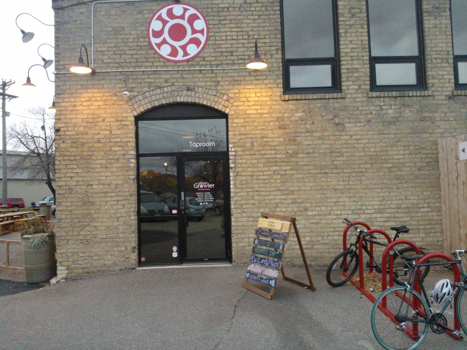 Front Entrance of Urban Growler Brewery