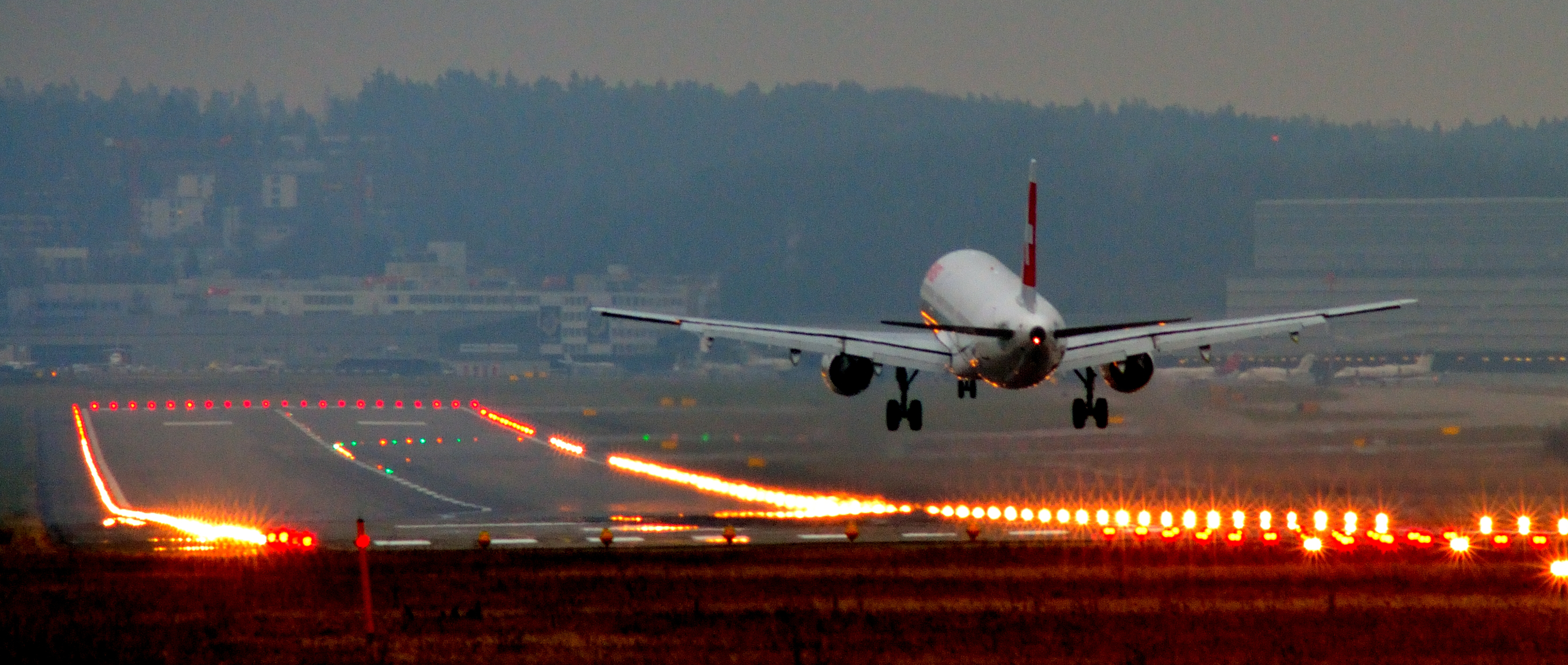 [Image: Landing_at_Zurich_International_Airport.jpg]