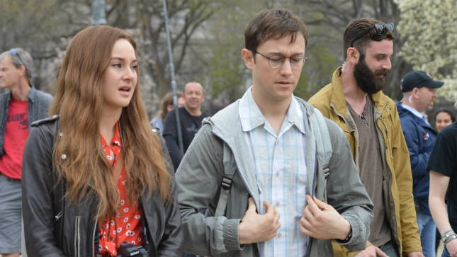 snowden-movie-review3